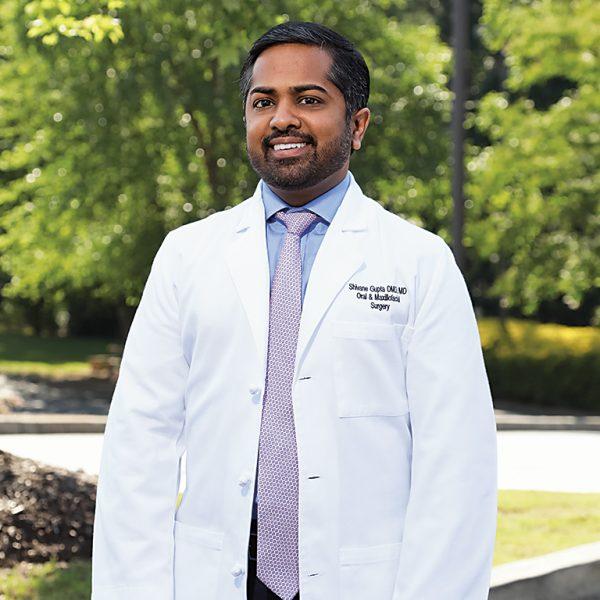 Dr. Shivane Gupta - Experienced Oral Surgeon